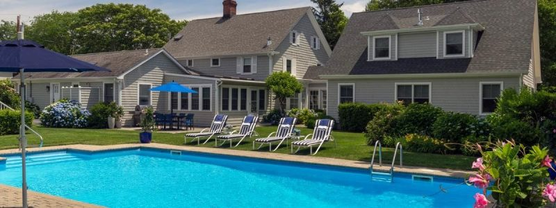white fences inn b&B bed and breakfast the hamptons stay vacation long island water mill